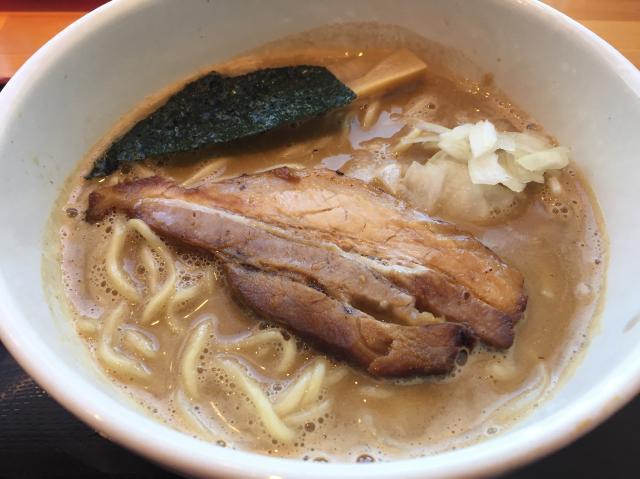 富山麺家一鶴煮干しラーメン