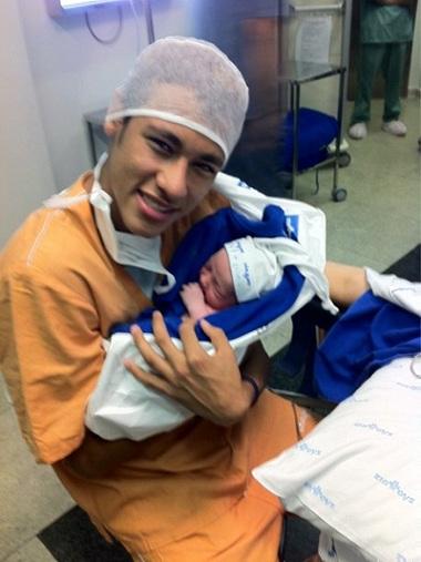 ネイマールの子供Davi Lucca誕生